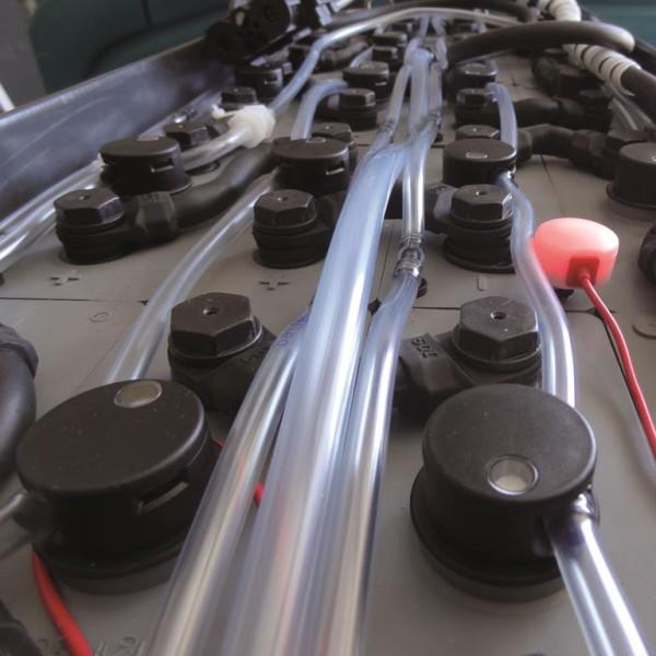 Sonde lumineuse clignotant rouge = remplissage en eau déminéralisée à faire