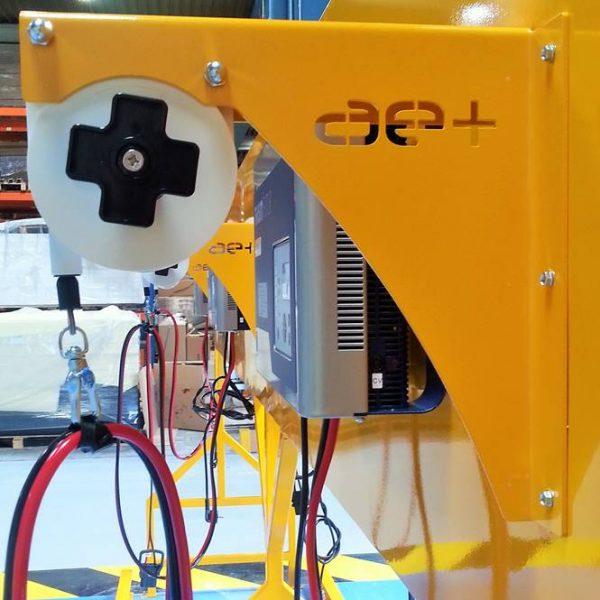 Sécurité des utilisateurs grâce aux câbles et prises éloignés de la zone ATEX au-dessus de la batterie