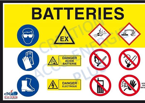 Panneau affichage prévention dangers batteries
