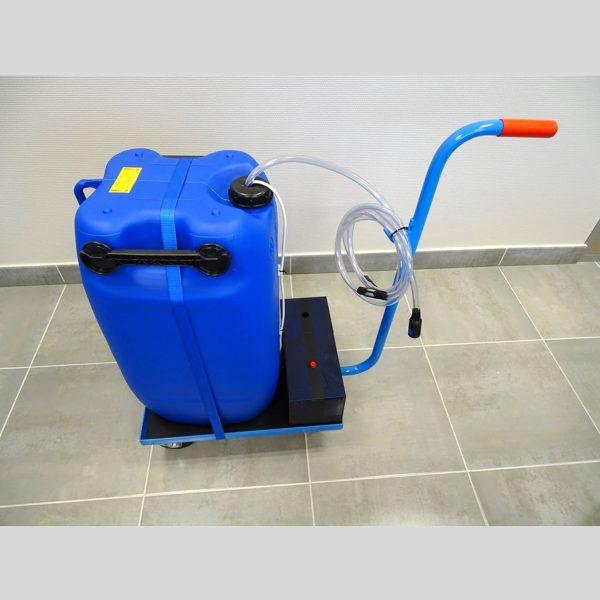 station mobile 60 litres remplissage eau déminéralisée batteries traction chariots élévateurs STILL